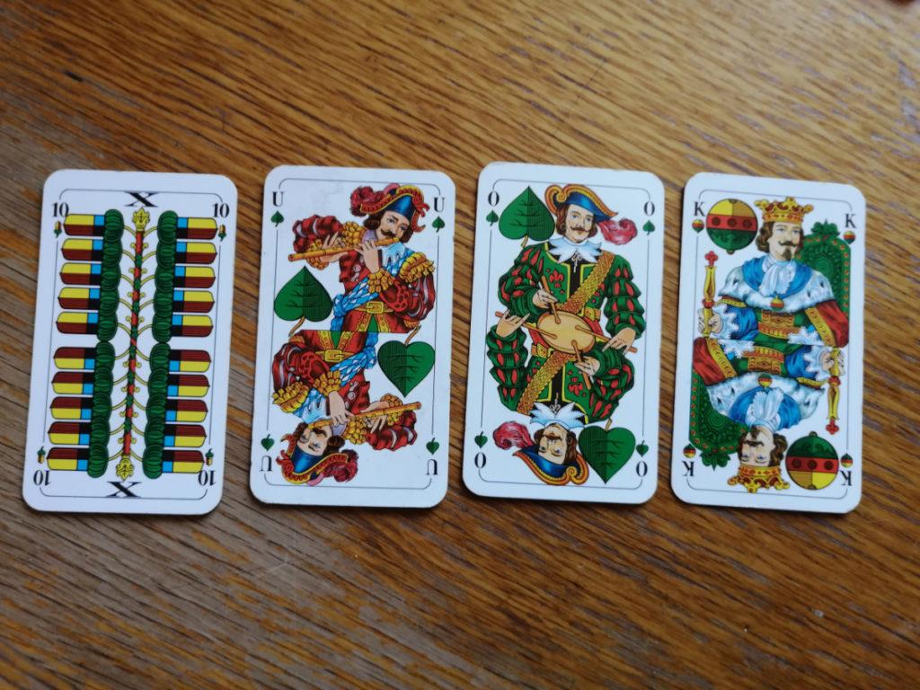 Zehner, Unter, Ober und König zählen jeweils 10 Punkt